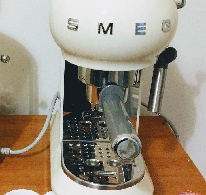 Con Mulino Bianco vinci la macchina da caffè espresso SMEG